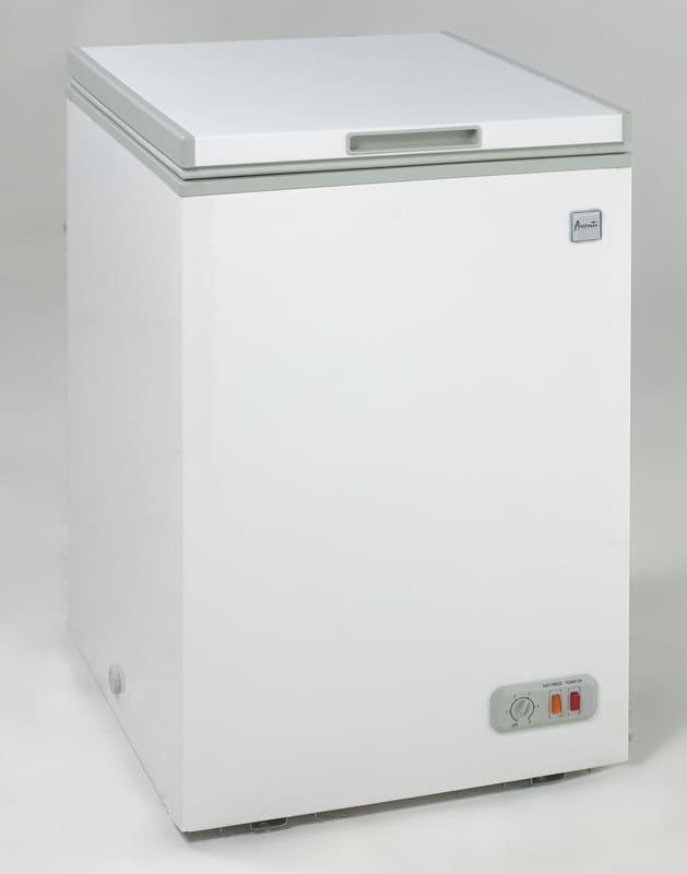 avanti cf10006we 3 5 cu ft chest freezer with single. Black Bedroom Furniture Sets. Home Design Ideas